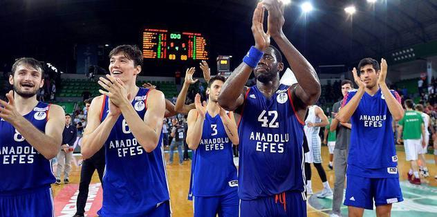 Anadolu Efes final biletini kaptı