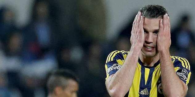 West Ham'dan, Robin van Persie'ye ret!