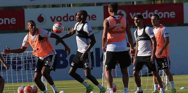 Beşiktaş çalışmalarını tam gaz sürdürüyor