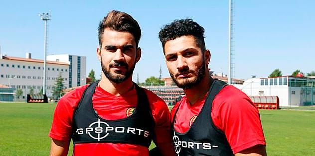 Kamil Ahmet'i verin