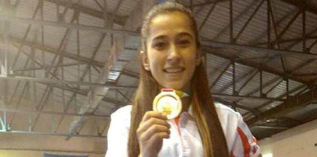 Nur Çınar'dan gururlandıran madalya