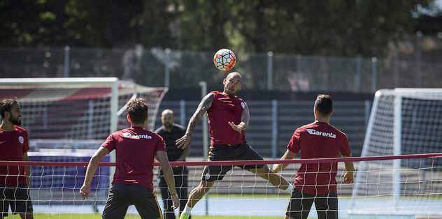 Antrenmanın şampiyonu Sneijder!