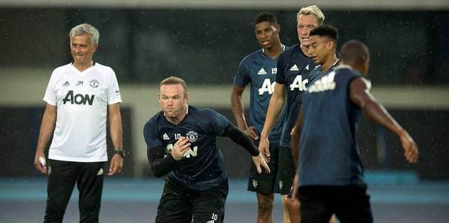 Sezonun ilk Manchester derbisi iptal