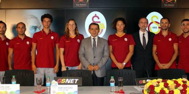 Özbek'ten olimpik sporculara destek