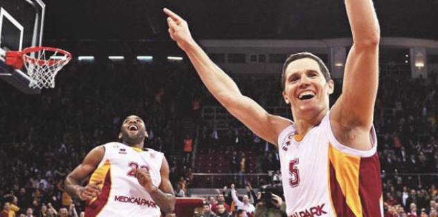 Lakovic basketbola veda etti