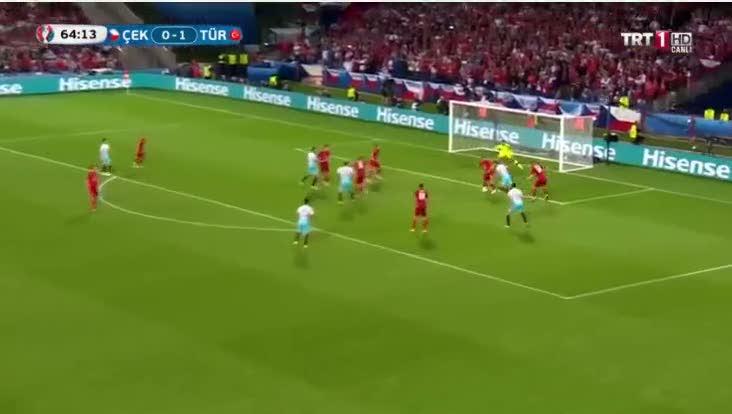 Ozan Tufan'dan Türkiye'yi ayağa kaldıran gol