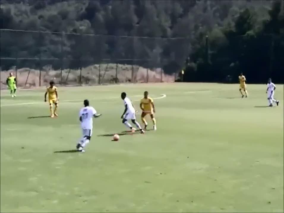 Amokachi'nin oğulları Beşiktaş'ta ilk maçına çıktı