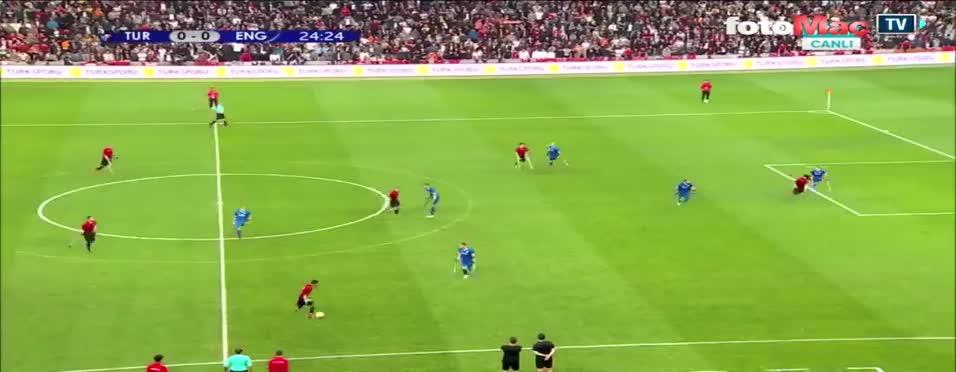 Ömer Güleryüz'den İngiltere'ye muhteşem gol