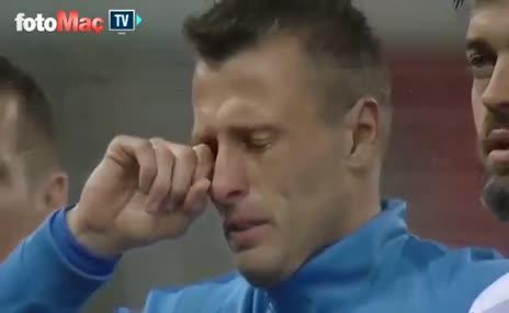 Trabzonspor'lu Durica, ağlayarak Milli takıma veda etti!