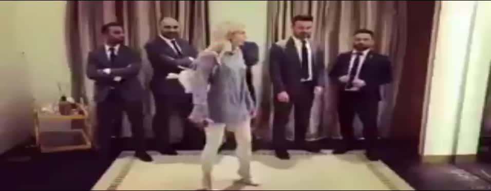 Aleyna Tilki'den Gomis'e özel video