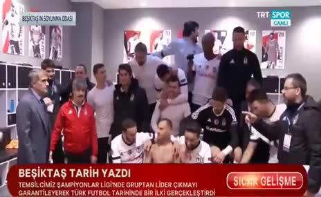 Beşiktaş soyunma odasında büyük coşku!