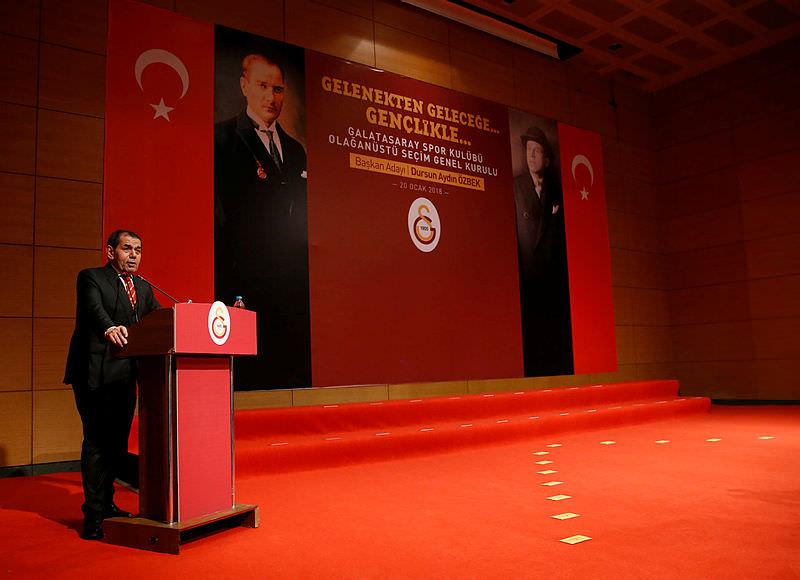 Dursun Özbek sosyal medyayı salladı