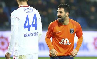 Arda Turan'dan Beşiktaş tezahüratı!