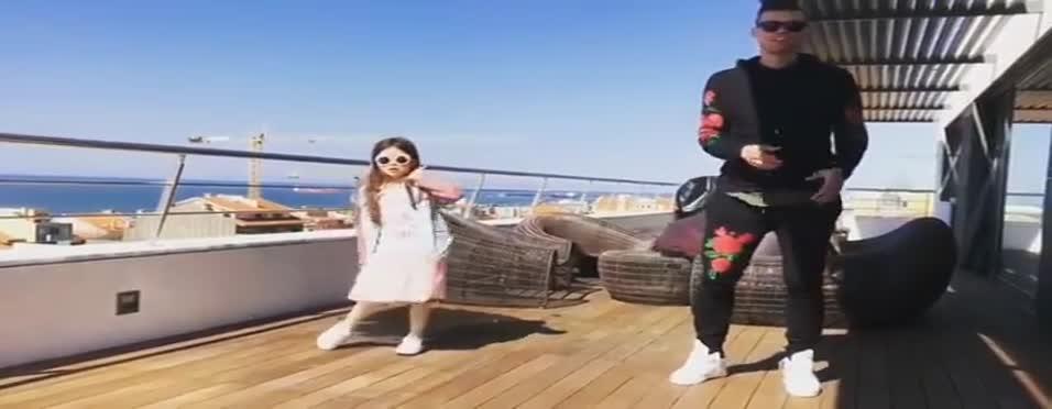 Pepe'den çılgın dans