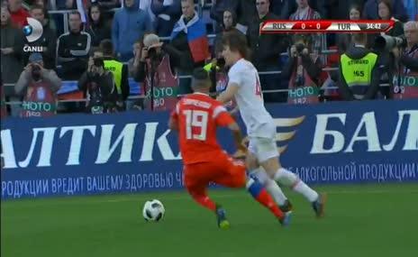 Çağlar Söyüncü'den büyük hata! Rusya 1-0 Türkiye