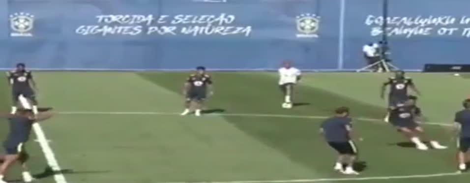 Neymar'dan büyüleyici hareketler