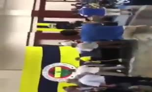 Fenerbahçe töreninde Galatasaray marşı