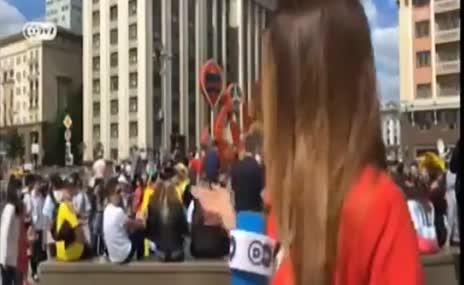 Dünya Kupası'nda kadın muhabire taciz